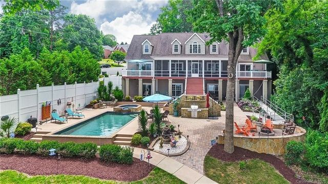 Charlotte NC waterfront house exterior